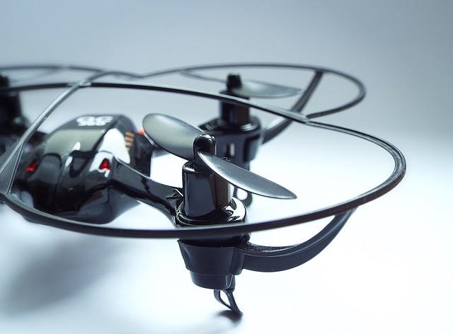černý dron