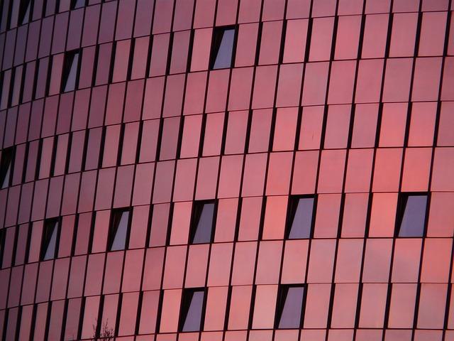 okna budovy
