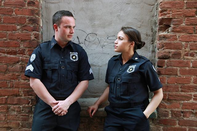 dva policisté